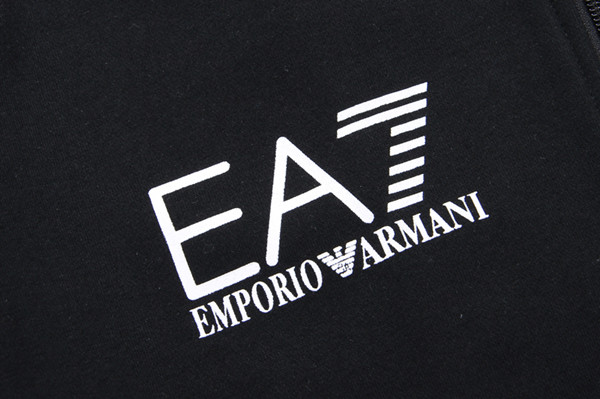 Бренд Emporio Armani Reebok