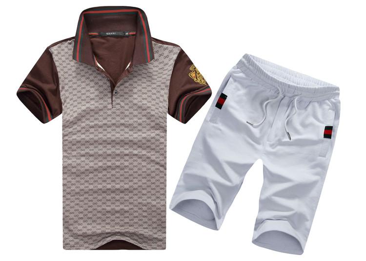 коричневый с белыми шортами